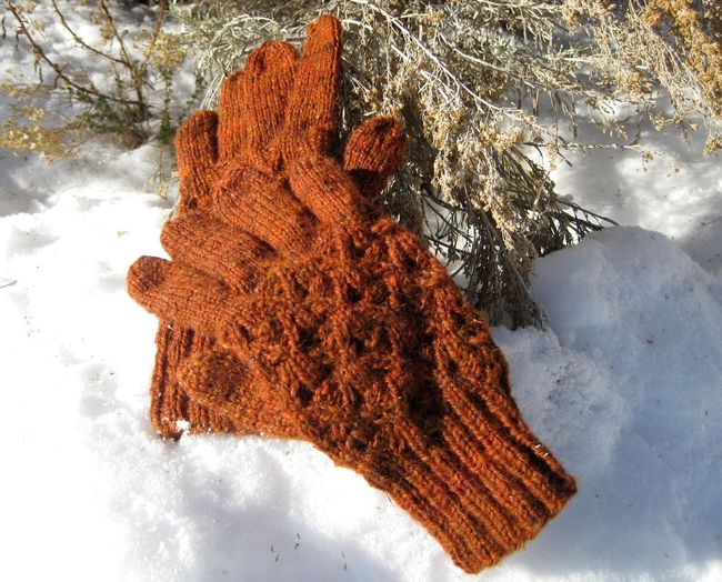Thicket Gloves knitting pattern
