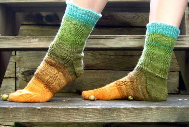 Refractive Socks knitting pattern
